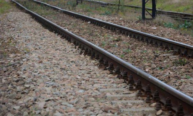 Tragedia w Gąsocinie. Po kołami pociągu zginął 63-letni mężczyzna