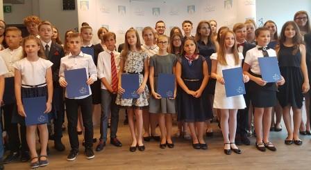 Prezydent nagrodził najlepszych uczniów
