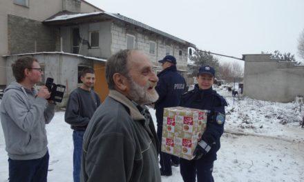Ciechanowscy policjanci pomagają potrzebującym