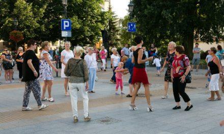 Ciechanów: Znów będą tańczyć na Warszawskiej