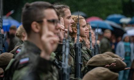 Ciechanowscy terytorialsi przysięgali w Olszynce Grochowskiej ( zdjęcia)