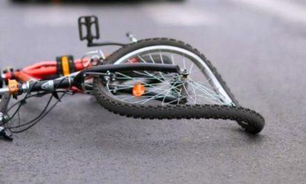 Cichawy: Potrąciła rowerzystę, a następnie wjechała do rowu