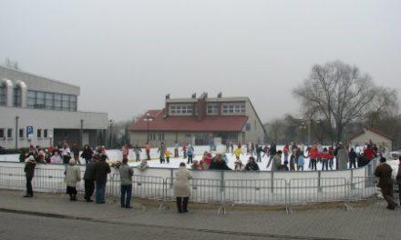 Ciechanów: Dzisiaj rusza miejskie lodowisko