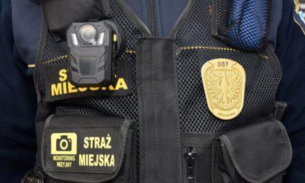 Ciechanów: Strażnicy miejscy wyposażeni w kamery personalne
