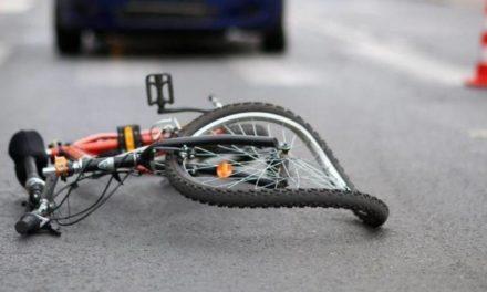 """Wypadek na """"50"""". Ranna 66-letnia rowerzystka"""