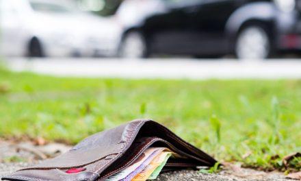 Znalazła portfel i zaniosła go na policję