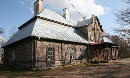 180 tys. zł. z MKIDN na remont modrzewiowego dworu w Koźniewie Wielkim