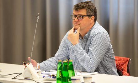 Polacy są narodem potrafiącym zdyscyplinować się w trudnych momentach – rozmowa z wiceszefem MSWiA Maciejem Wąsikiem