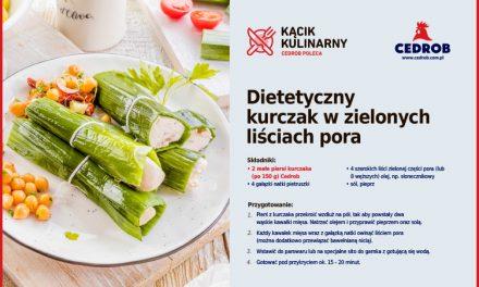 Dietetyczny kurczak w zielonych liściach pora