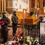 """Ostatnie pożegnanie śp. Pani Teresy Cichowskiej, żołnierza Narodowego Zjednoczenia Wojskowego, ps. """"Drzazga"""""""