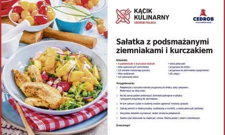 Sałatka z podsmażanymi ziemniakami i kurczakiem