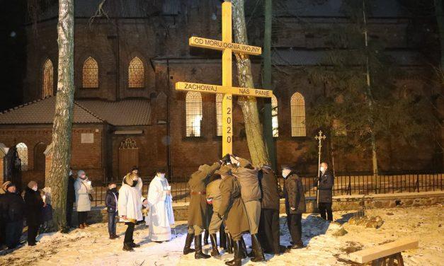 Krzyż morowy stanął w Sońsku
