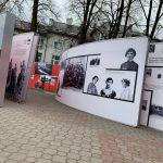 """""""Powstała, by żyć""""- wystawa plenerowa przed PCKiSZ"""
