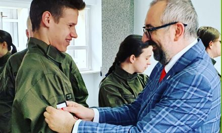 Nowe mundury dla uczniów z ZSP w Przasnyszu